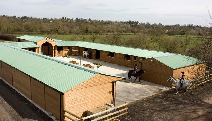 Establos para caballos: aspectos a tener en cuenta en su construcción